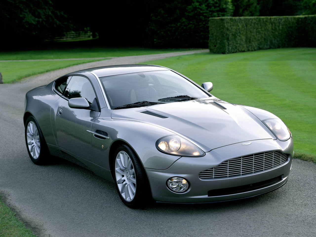 Aston Martin Vanquish Wikipedia The Free Encyclopedia | Review Ebooks