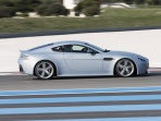 aston-martin-v12-vantage-rs-concept-side-view-while-driving.jpg