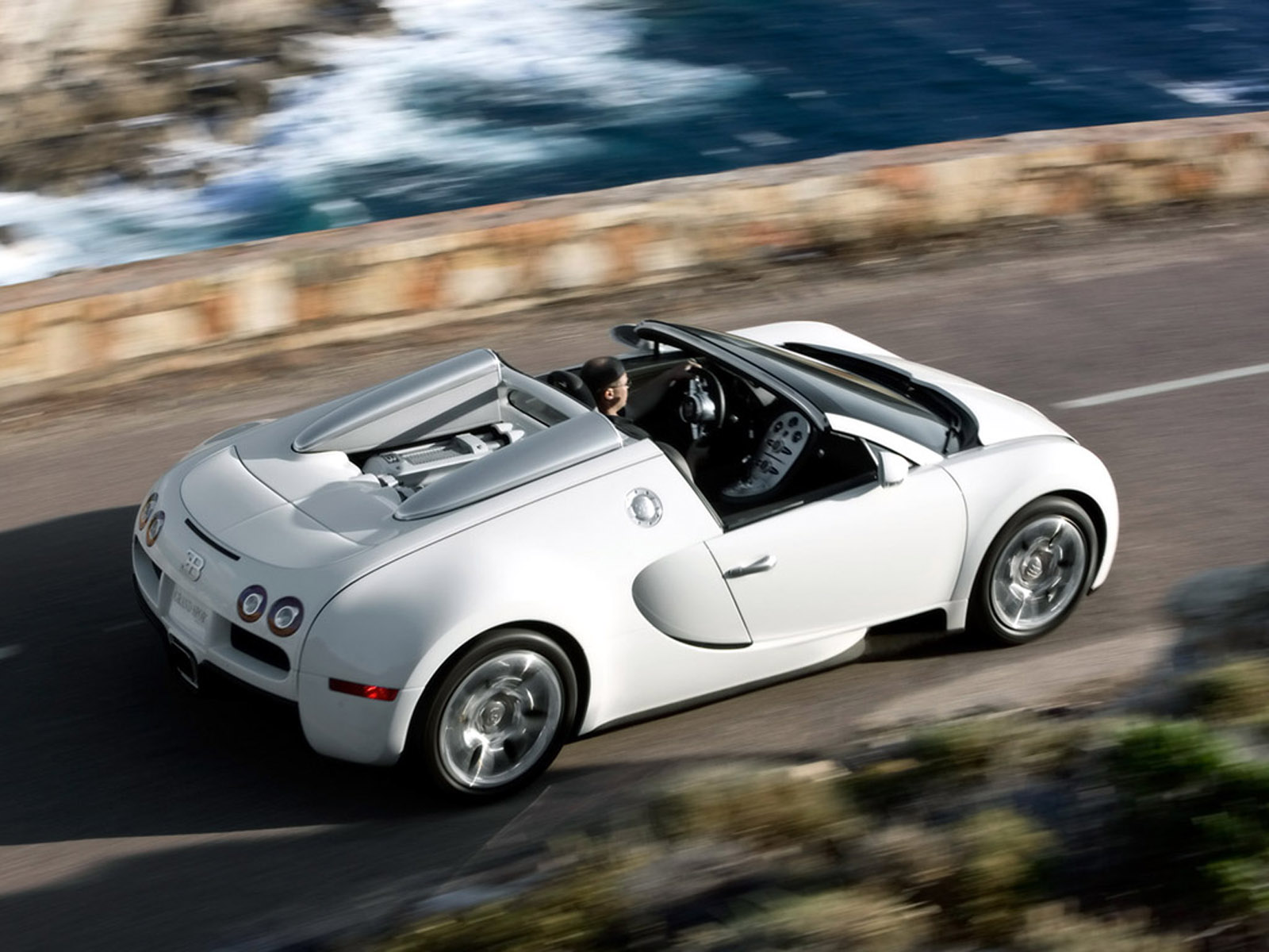 Bugatti Veyron Pictures Specs Price Engine Amp Top Speed