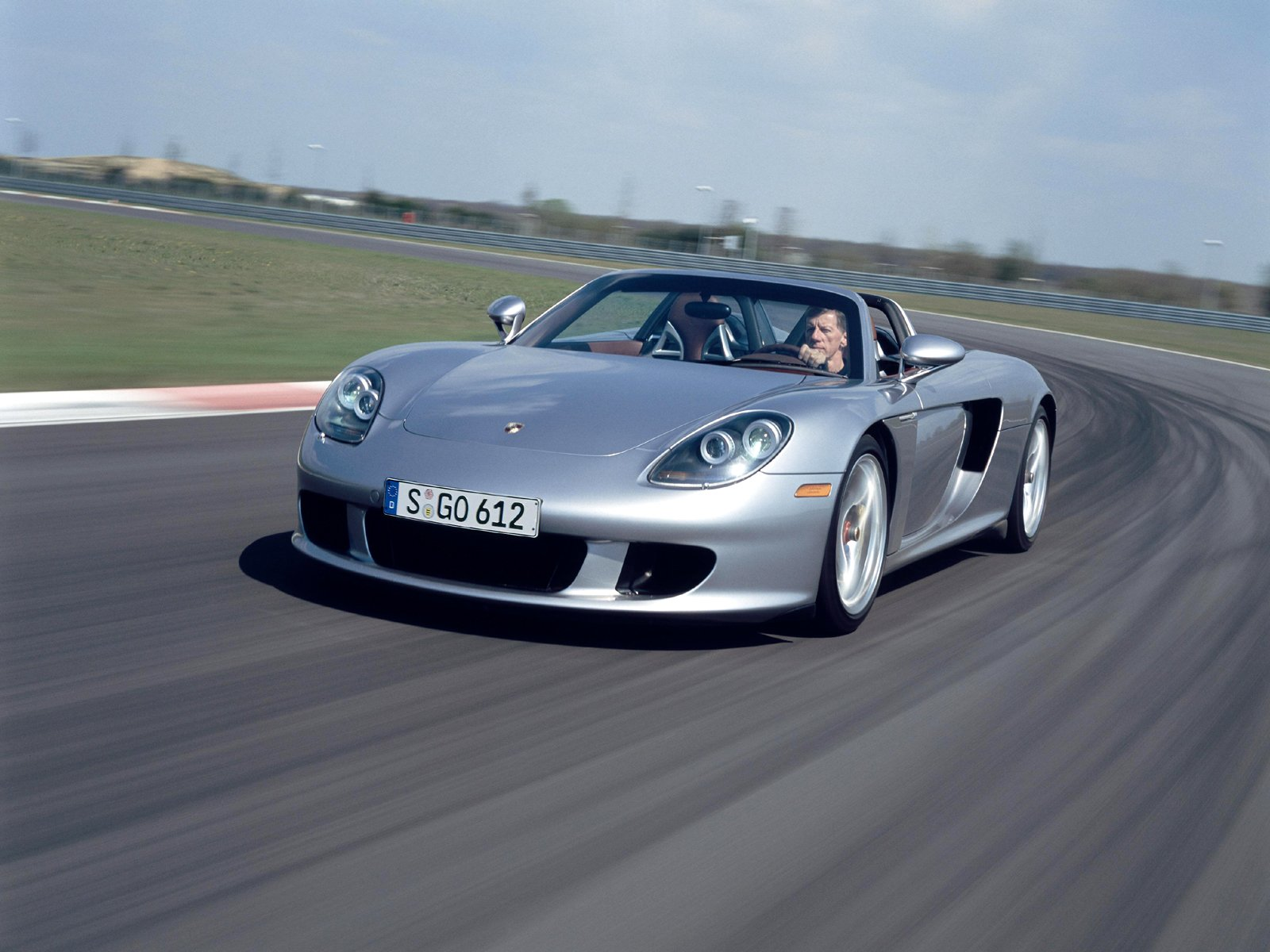 Porsche Carrera GT Specs, Top Speed, Price, Pictures & Engine Review