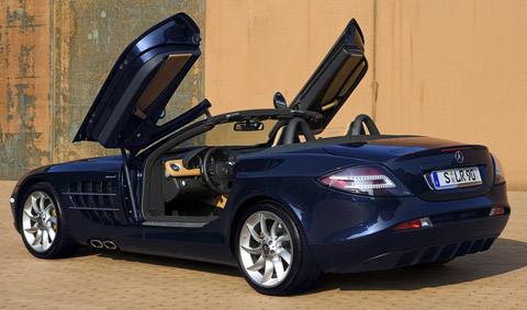 Mercedes-Benz SLR McLaren Roadster blue with doors open