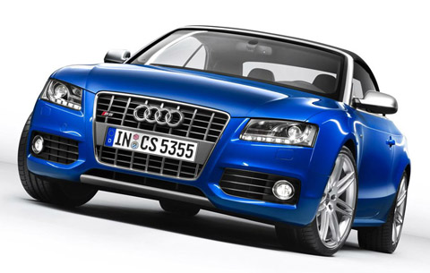 The standards for this Audi S5 Cabriolet include the servotronic,