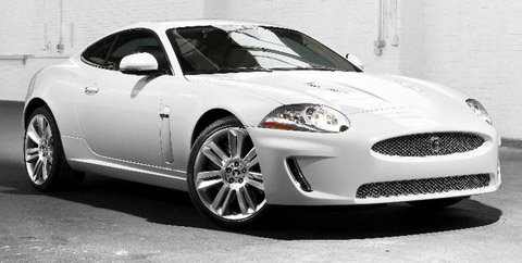 2010 Jaguar XKR front view