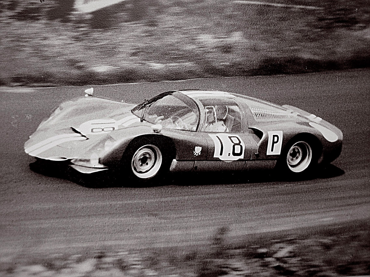 The Porsche 906 has been