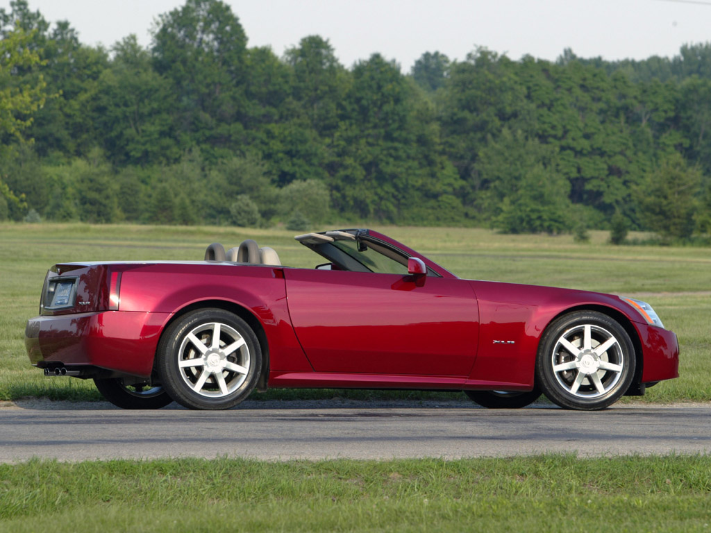 Cadillac XLR Specs, Price, Pictures & Engine Review