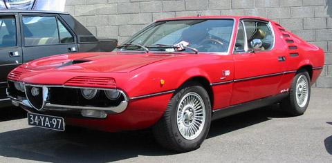 Alfa Romeo Montreal red