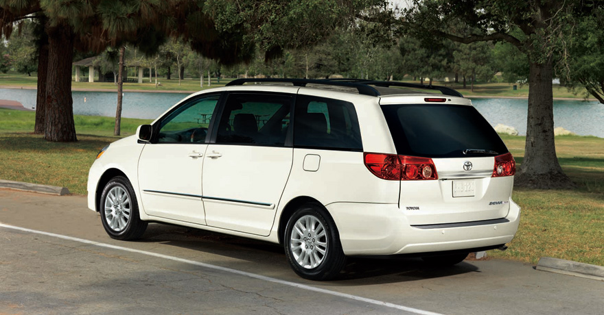 Toyota Sienna Limited in White