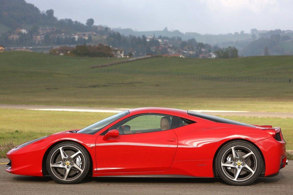 2010 Ferrari 458 Italia Review Specs Pictures Price Top Speed