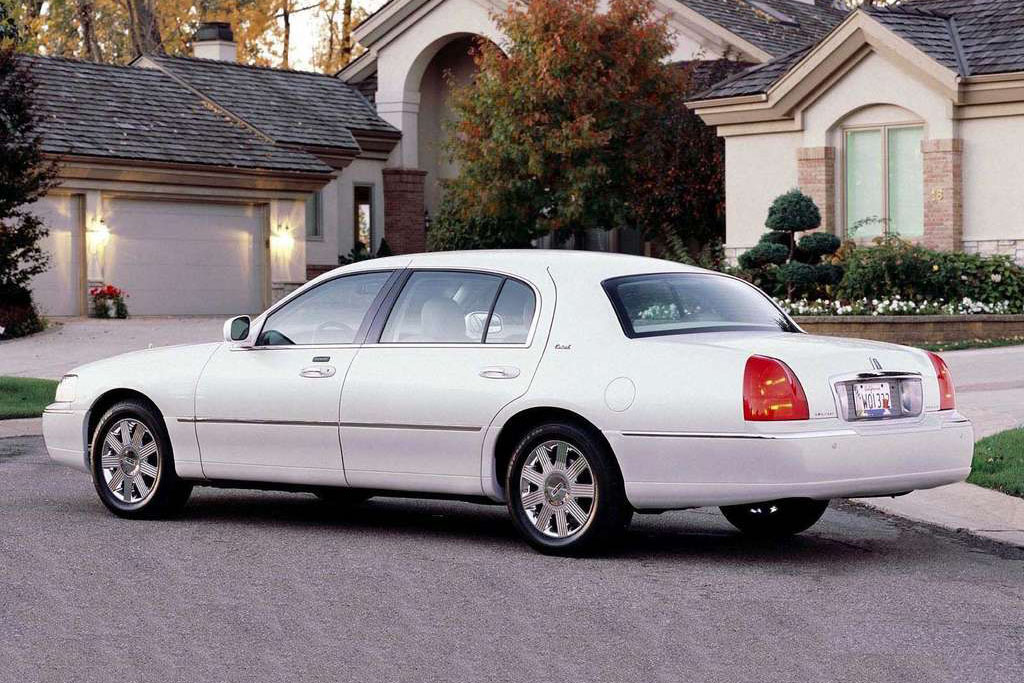 Lincoln Town Car For Sale: Buy Used & Cheap Pre-Owned Lincoln Cars