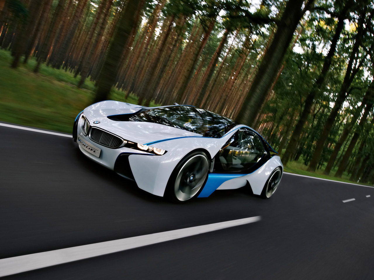 http://www.thesupercars.org/wp-content/uploads/2009/10/2009-BMW-Vision-EfficientDynamics.jpg