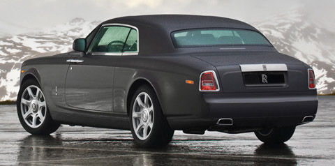 2009 Rolls-Royce Phantom back view