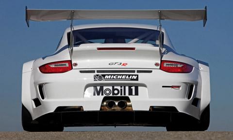 2010-Porsche-911-GT3-R-Rear- 480