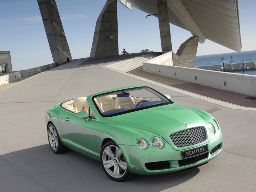 green bentley car pictures images super cool green. Black Bedroom Furniture Sets. Home Design Ideas