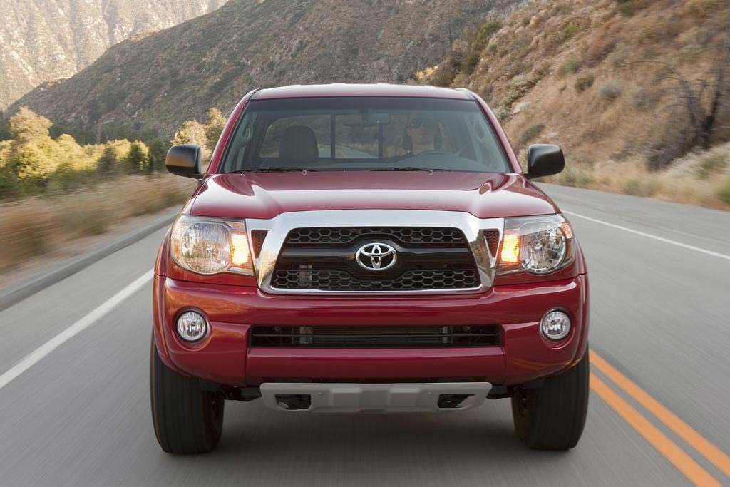 2011 toyota tacoma review specs pictures price mpg. Black Bedroom Furniture Sets. Home Design Ideas