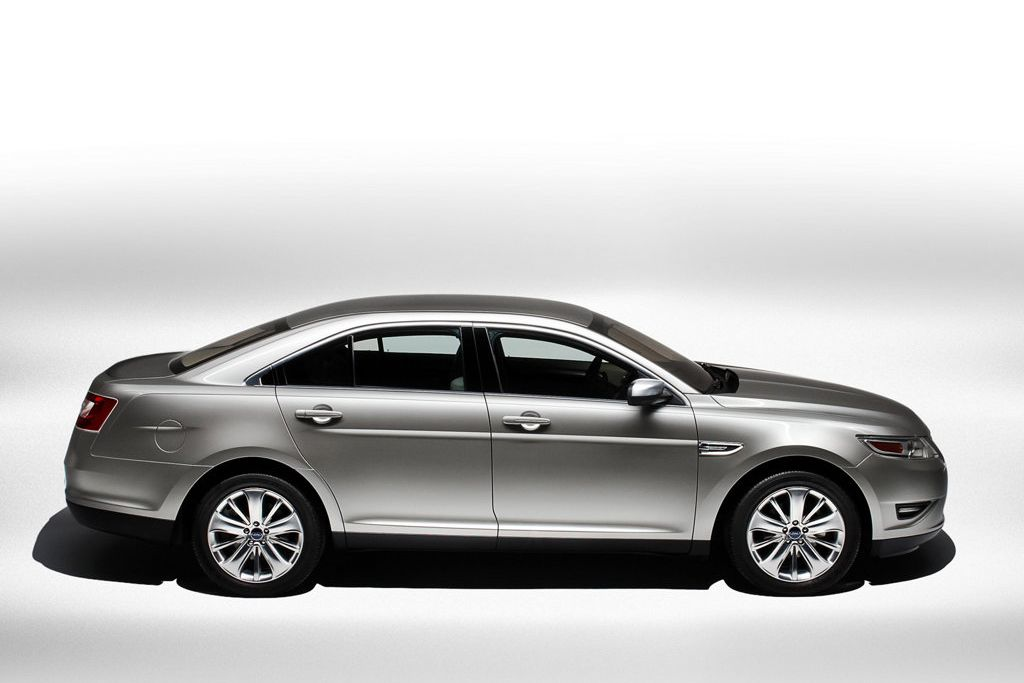 2011 ford taurus review specs pictures price mpg. Black Bedroom Furniture Sets. Home Design Ideas