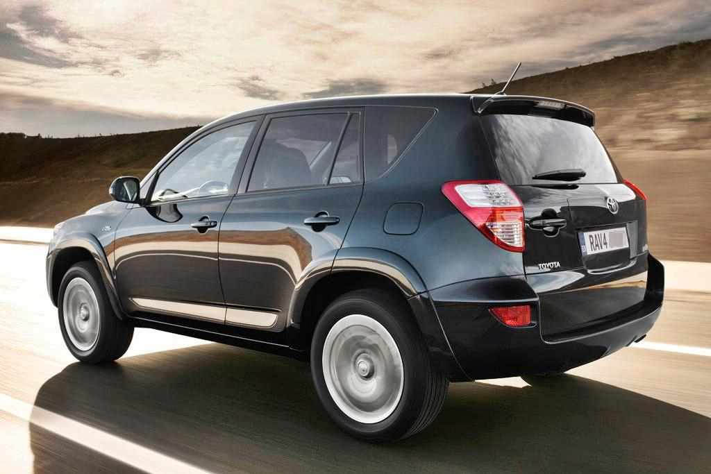 2011 toyota rav4 review specs pictures price mpg. Black Bedroom Furniture Sets. Home Design Ideas