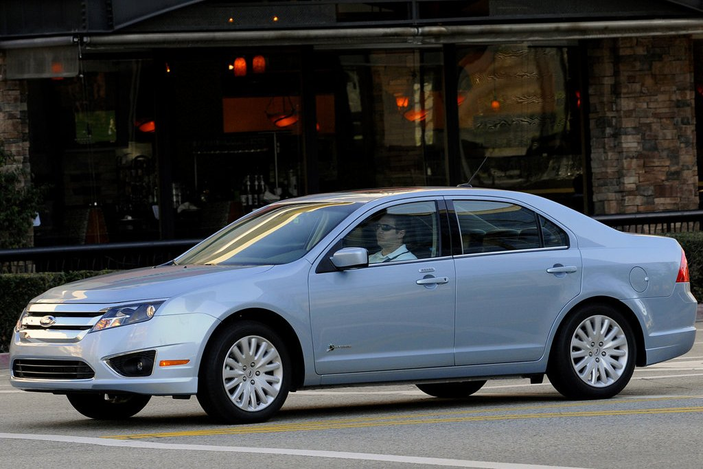 2011 ford fusion hybrid review specs pictures price mpg. Cars Review. Best American Auto & Cars Review
