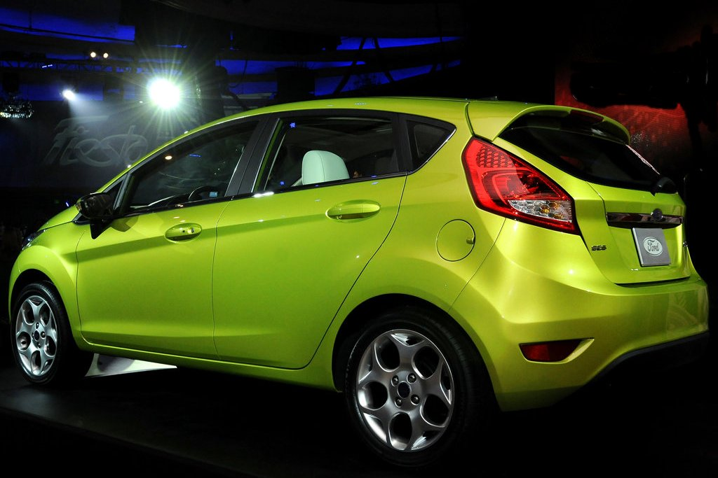 2011 ford fiesta review specs pictures price mpg. Black Bedroom Furniture Sets. Home Design Ideas