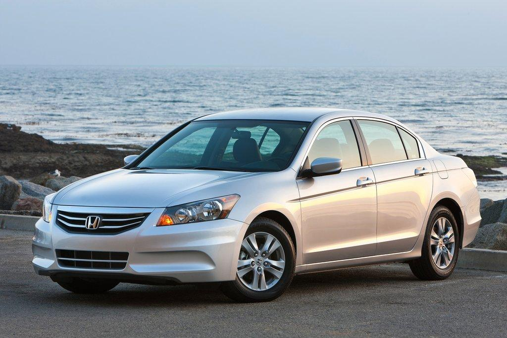 2011 honda accord review specs pictures price mpg. Black Bedroom Furniture Sets. Home Design Ideas