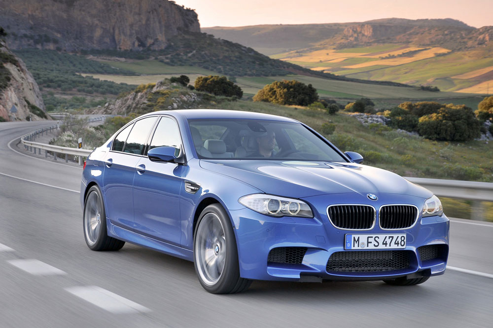 2012 bmw m5 review specs pictures price mpg. Black Bedroom Furniture Sets. Home Design Ideas