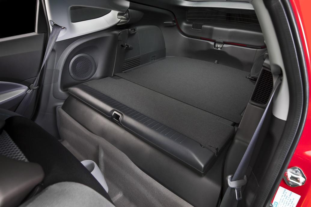 2011 Honda Cr Z Hybrid Review Specs Pictures Price Amp Mpg