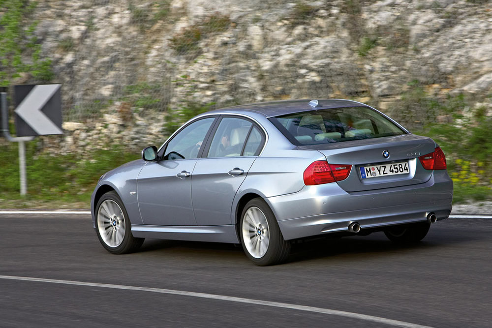 2011 bmw 3 series review specs pictures price mpg. Black Bedroom Furniture Sets. Home Design Ideas