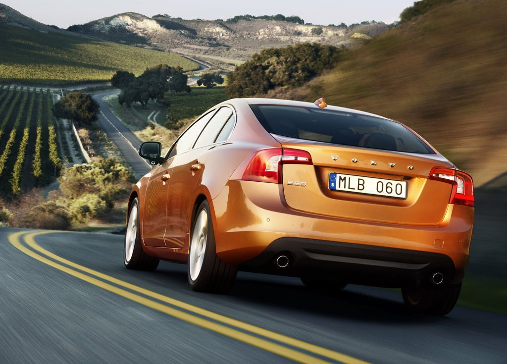 2011 Volvo S60 Review, Specs, Pictures, Price & MPG