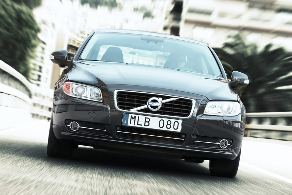 2011 volvo s80 review specs pictures price mpg. Black Bedroom Furniture Sets. Home Design Ideas