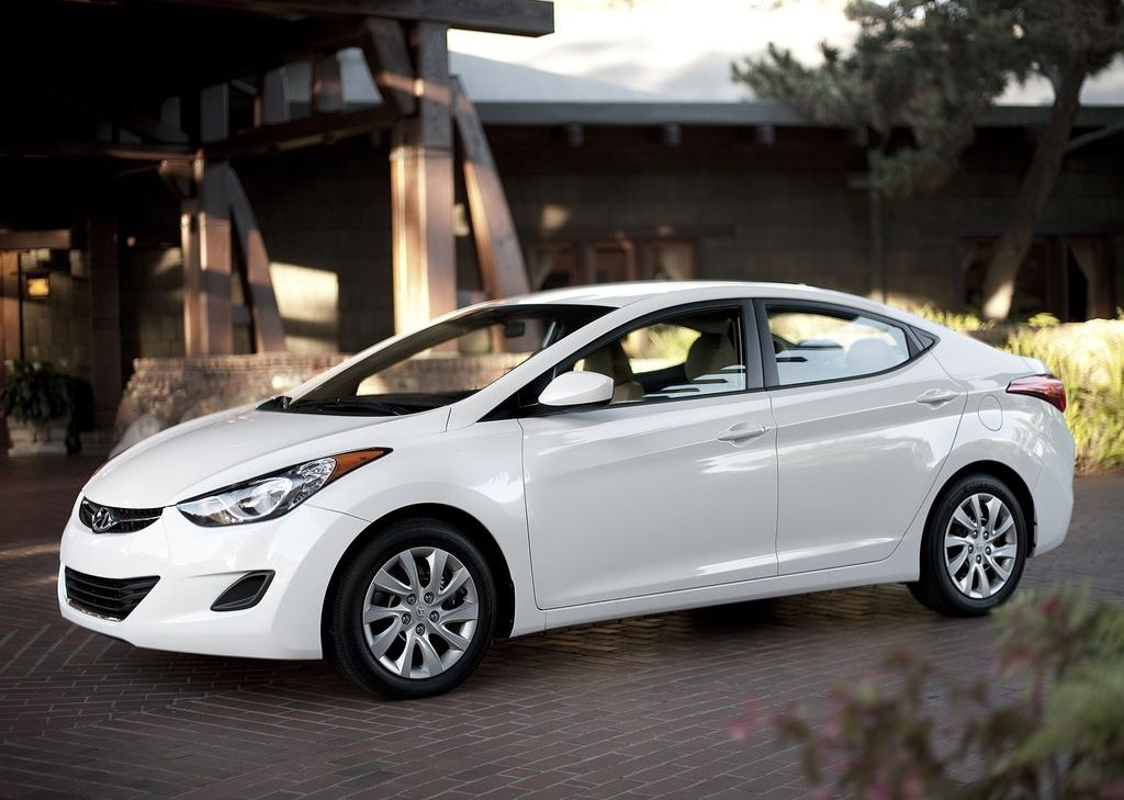 2012 Hyundai Elantra Price MPG Review Specs  Pictures
