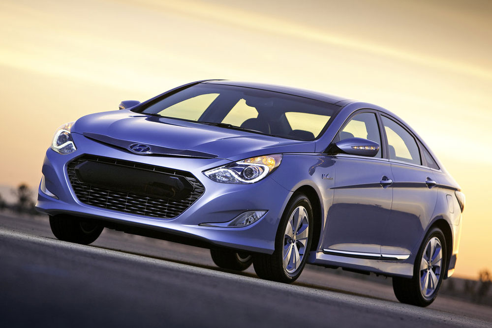 2011 hyundai sonata hybrid price mpg review specs pictures. Black Bedroom Furniture Sets. Home Design Ideas