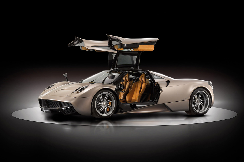 2011 pagani huayra review specs pictures price 0 to 60. Black Bedroom Furniture Sets. Home Design Ideas