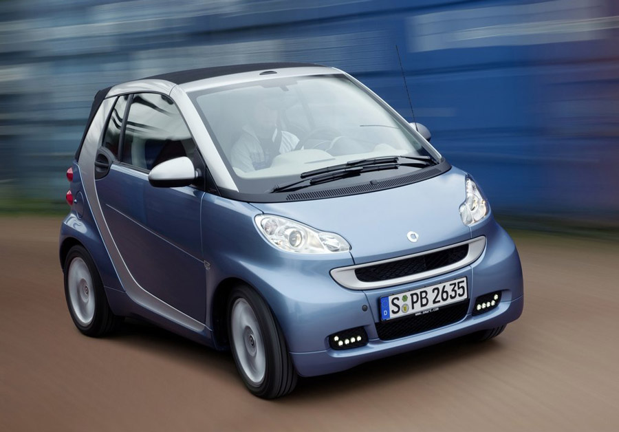2011 smart fortwo price mpg review specs pictures. Black Bedroom Furniture Sets. Home Design Ideas