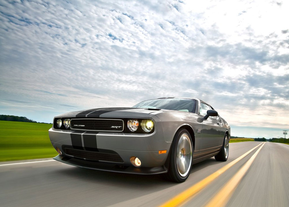 2012 dodge challenger srt8 392 review specs price pictures. Black Bedroom Furniture Sets. Home Design Ideas