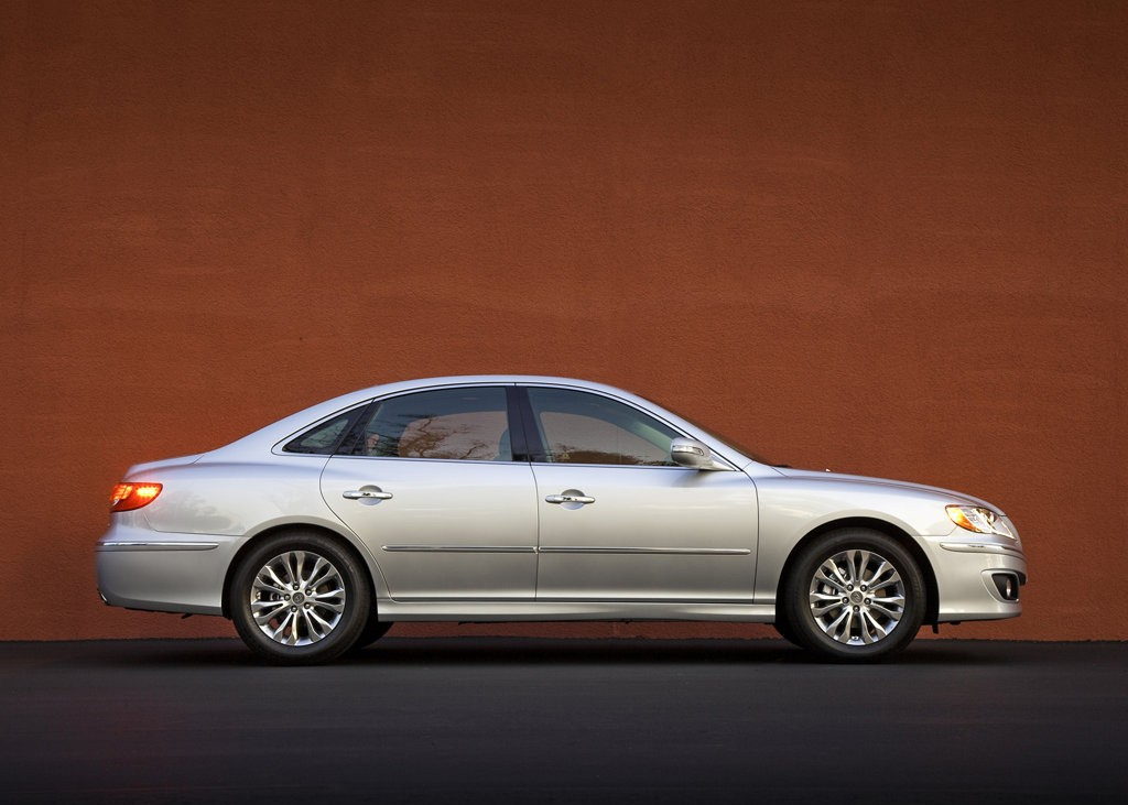 2011 Hyundai Azera Price, MPG, Review, Specs & Pictures
