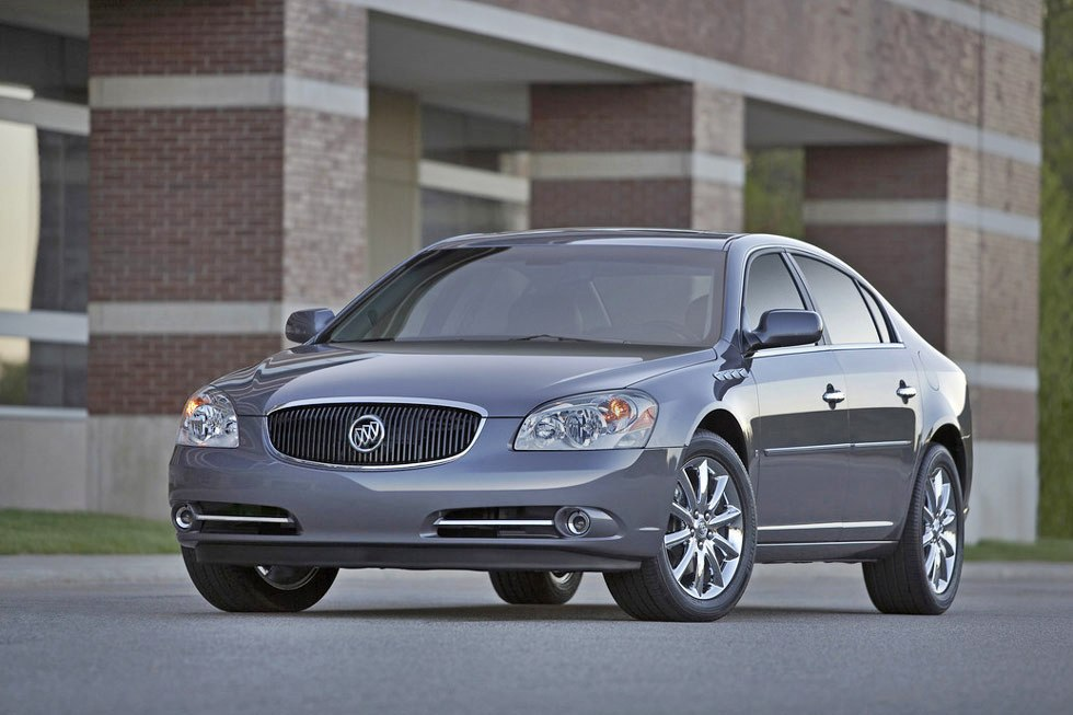 2011 buick lucerne review specs pictures price mpg. Black Bedroom Furniture Sets. Home Design Ideas