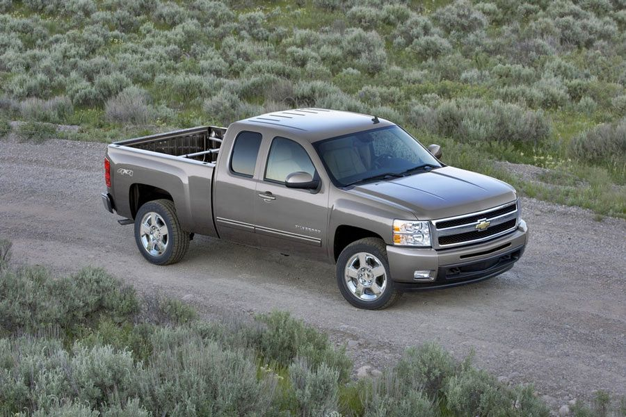 2011 chevrolet silverado 1500 review specs pictures. Black Bedroom Furniture Sets. Home Design Ideas