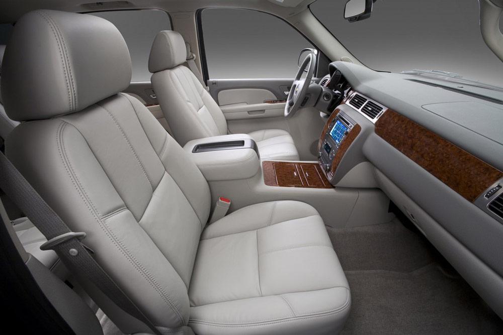 2011 chevrolet suburban review specs pictures price mpg - Chevrolet suburban interior dimensions ...