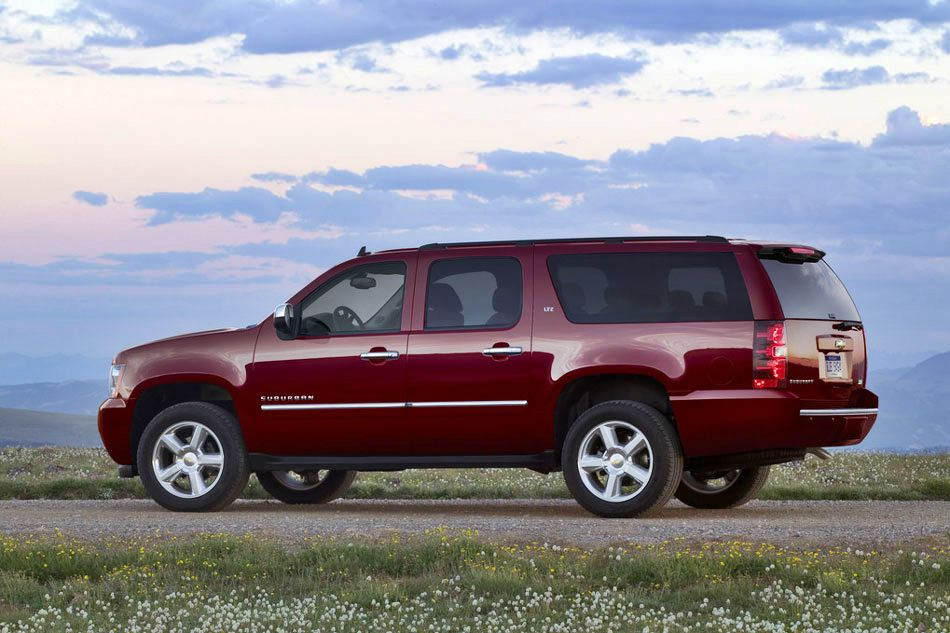 2011 chevrolet suburban review specs pictures price mpg. Black Bedroom Furniture Sets. Home Design Ideas