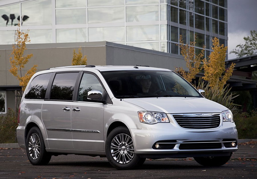2011 chrysler town country review specs pictures price mpg. Black Bedroom Furniture Sets. Home Design Ideas