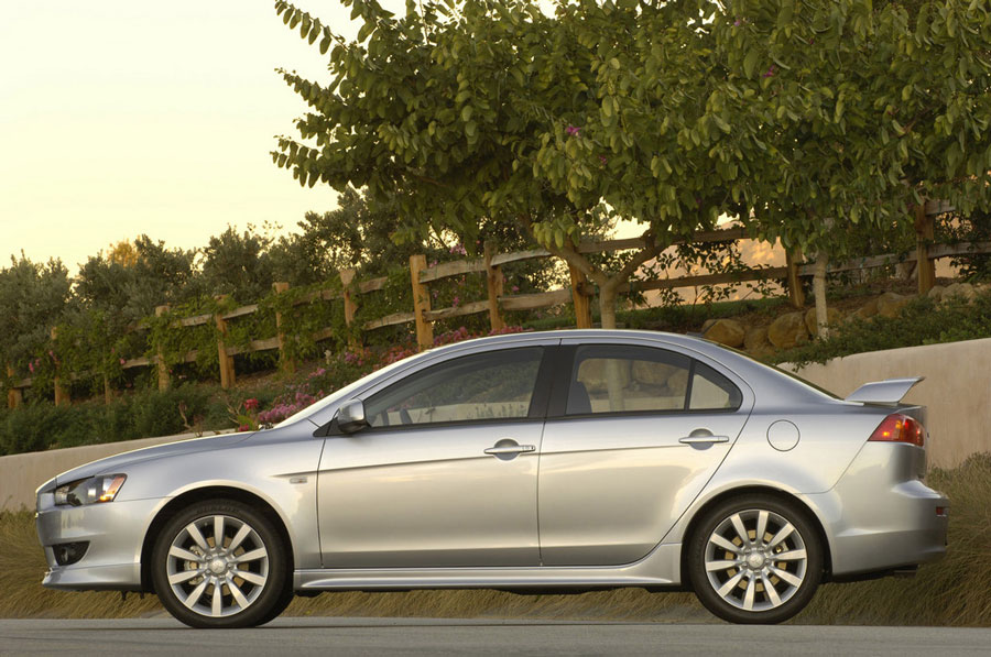 2011 Mitsubishi Lancer Review Specs Pictures Price Amp Mpg