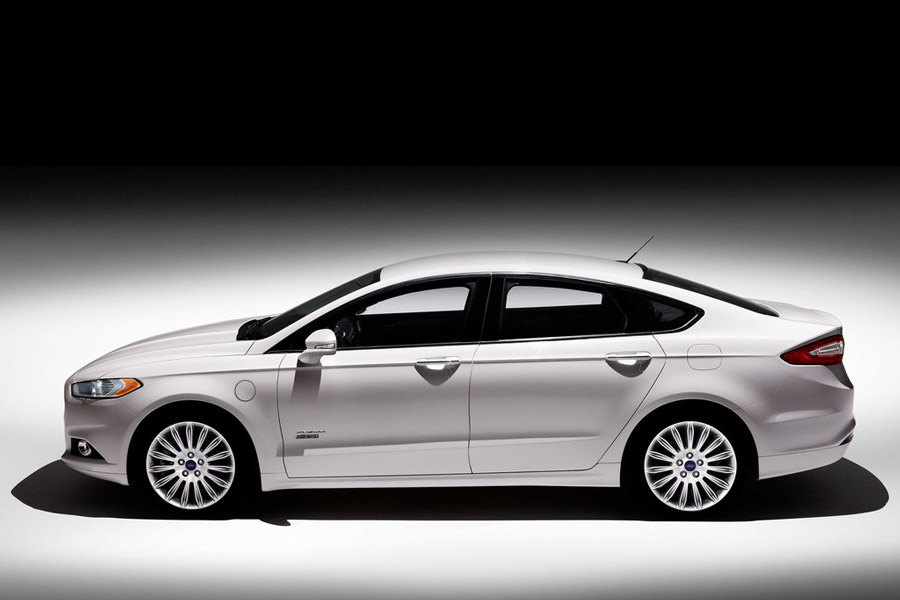 2013 ford fusion energi review specs pictures mpg. Black Bedroom Furniture Sets. Home Design Ideas