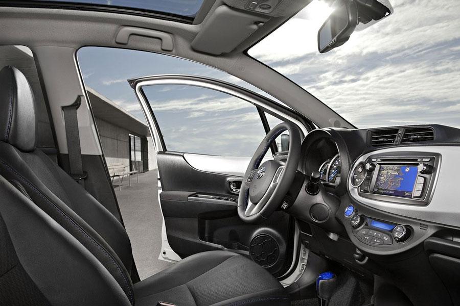 yaris toyota hybrid interior engine