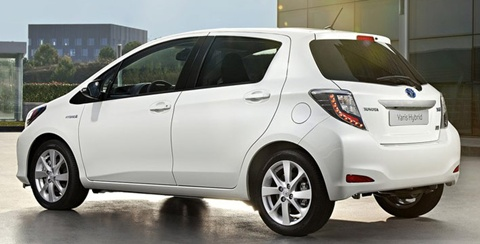 2013 toyota yaris hybrid review specs pictures price. Black Bedroom Furniture Sets. Home Design Ideas