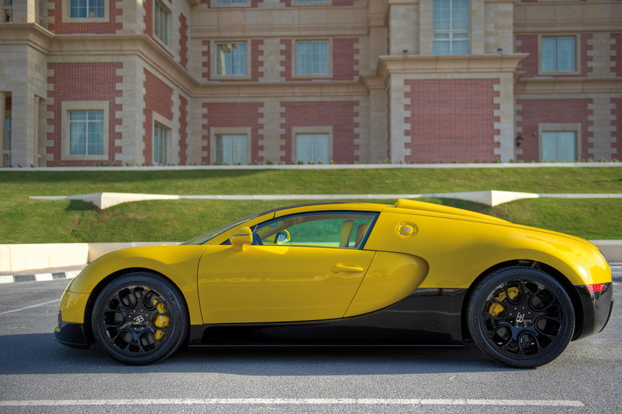 2012 bugatti veyron grand sport black yellow review price speed. Black Bedroom Furniture Sets. Home Design Ideas