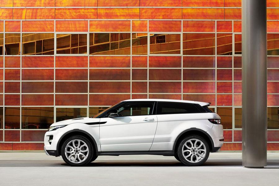 2011 land rover range rover evoque review price mpg. Black Bedroom Furniture Sets. Home Design Ideas