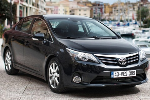 2012 Toyota Avensis Review Specs Pictures Price Mpg