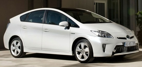 2012 toyota prius hybrid review specs pictures price mpg. Black Bedroom Furniture Sets. Home Design Ideas
