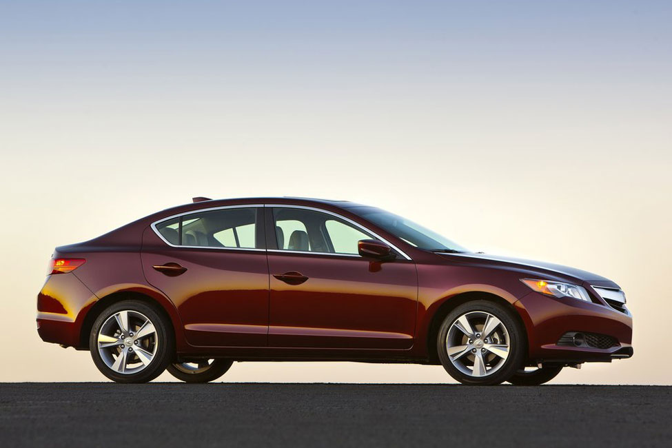 2013 acura ilx review specs pictures mpg. Black Bedroom Furniture Sets. Home Design Ideas
