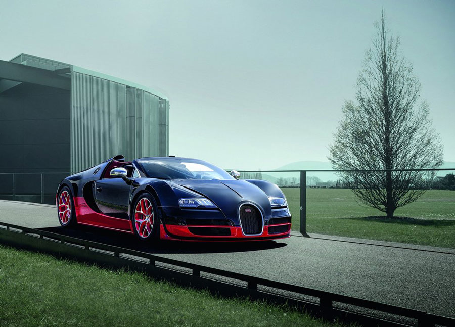 alas the 2012 bugatti veyron grand sport vitesse in black and red. Black Bedroom Furniture Sets. Home Design Ideas