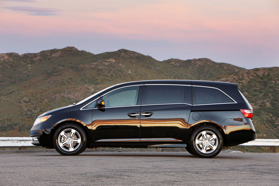 2012 honda odyssey review specs pictures price mpg. Black Bedroom Furniture Sets. Home Design Ideas